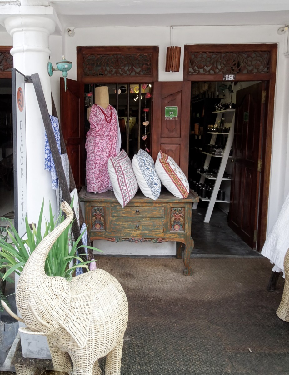 shopping in Galle sri lanka