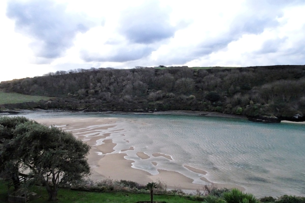 waterside crantock beach